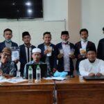 Mahasiswa Ekonomi Syariah bersama dengan dosen setelah presentasi produk PKM (Sumber istimewa)